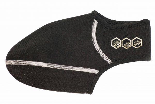 גרביים עשויות נאופרן של חברת UltraWave. להתאמה מלאה של הסנפירים לרגל ומניעת חיכוך של הסנפיר ברגל. מקל מאוד על חווית הגלישה לזמן ארוך