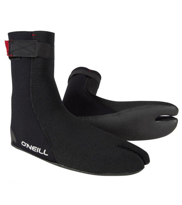 """נעלי גלישה O'Neill מדגם Ninja Split toe בנויות מ 100% Fluidflex נאופרן והיא מיועדת לגלישה במים קרים. הנעלים מודבקות בסרט הדבקה פני מגובה בהגבקה חיצונית. הנעליים מגיעות בעיצוב מינימלי מאד גמיש, רצועה נוספת בגפה למניעת כניסה של מים לנעל. סוליית גומי איכותית עם טקסטורה לשיפור יציבות של הנעל על הרגל ושלכם כל הגלשן אוניל חשבו על הכל בייצור של ה Ninja Split toe הן מגיעותבעובי 3 מ""""מ, שומרות על חום ונוחות לגלישה. נעלי גלישה הן דבר הכרחי לכל טיול. אחד הדברים החשובים ביותר בקניית חליפת גלישה היא התאמת המידה, ב-Ultrawave יש לנו למעלה מ 40 שנה של ניסיון בהתאמת חליפות גלישה לגלושים. אנחנו תמיד זמינים בטל במייל ובחנות לכל שאלה."""