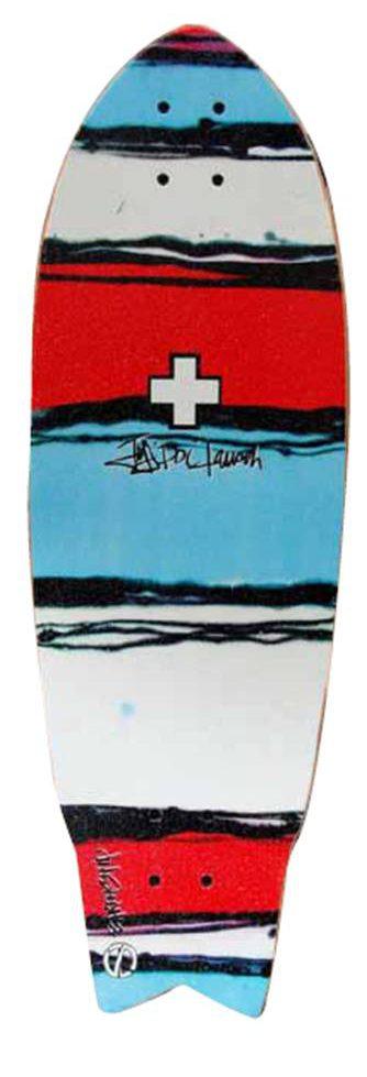 """סקייטבורד של חברת Earthship בעל עיצוב מיוחד שמקבל השראה מעולם הגלישה. הסקייטבורד עשוי מבירץ אמריקאי, ידידותי לסביבה. דגם ה-Super Fly עוצב על ידי השייפר האגדי Jeff """"DOC"""" lausch ."""