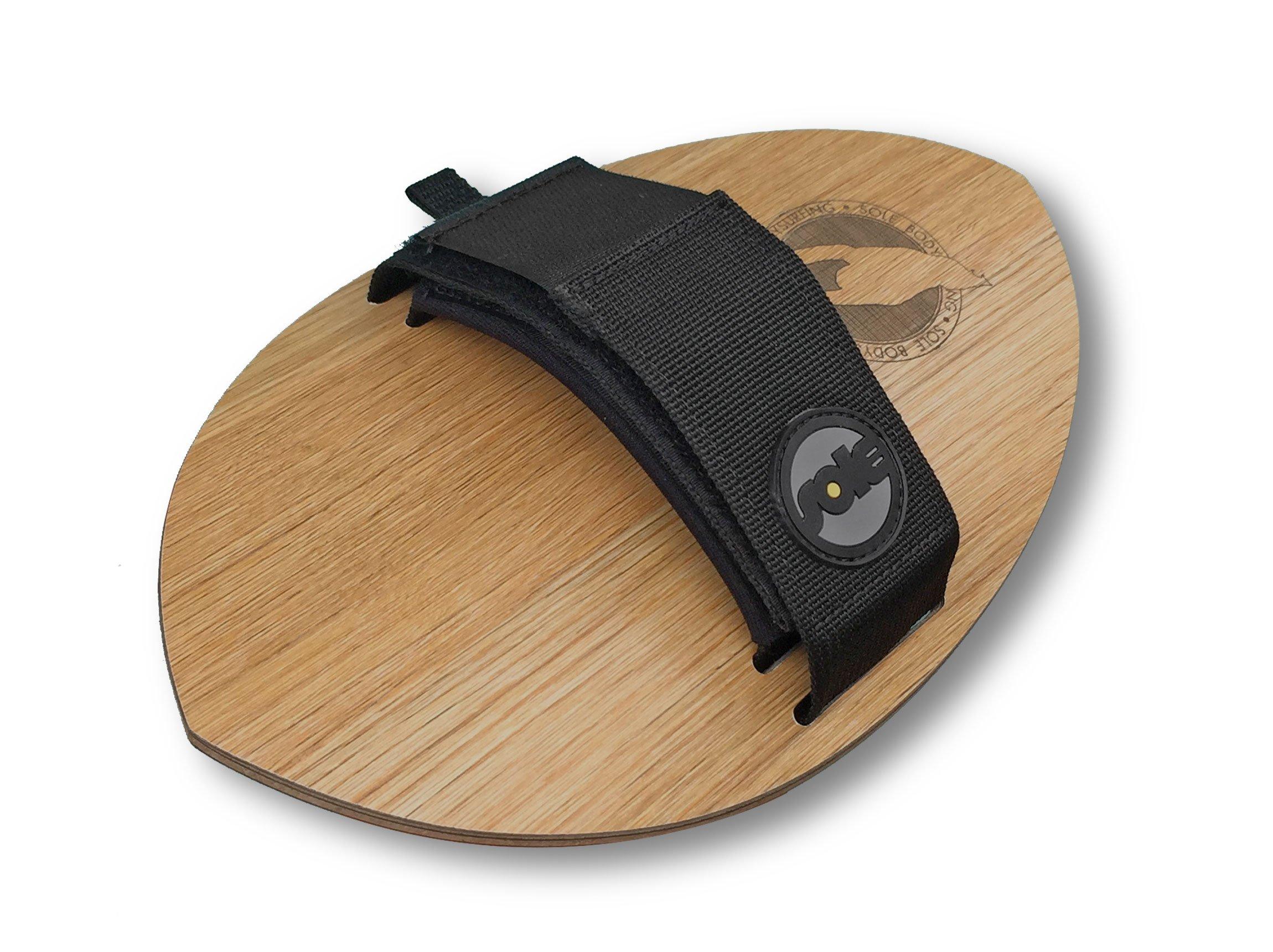 גלשן יד לגלישת גוף ה-Woodie Pocket-Rocket מתלבש על כף היד לגלישת Bodysurfing. מגיע עם זנב round. עשויי מעץ וחתוך בלייזר. הקונקייב בתחתית נותן הרבה מהירות.