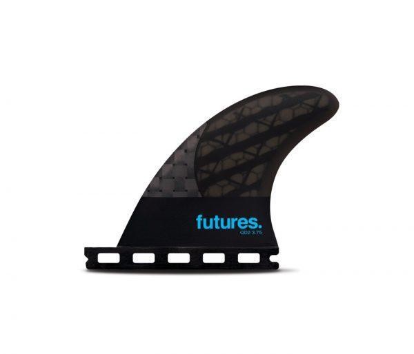 זוג חרבות אחוריות למערך 4 חרבות מדגם QD2 3.75 Blackstix של חברת Futures Fins.השילוב של זוג חרבות אחוריות בצורת הבניה של ה Blackstix 3.0* ביחד עם חרבות קדמיות רגילות יכול לתת לגלשן שלכם חיים חדשים ומהירות מדהימה.* חברת Futures Fins השיקה בחודשים האחרונים את סדרת ה- Blackstix 3.0. הצורה בה הקארבון מוצב בחרב נותן לה גמישות מיוחדת ושונה מאוד מכל חרב אחרת. הגמישות מיצרת המון מהירות בים חלש.