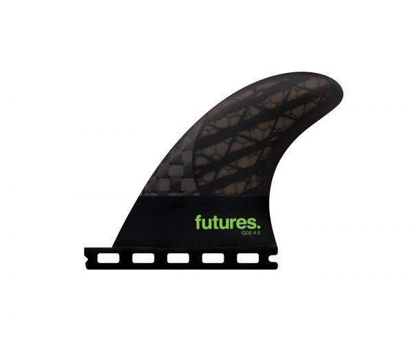 זוג חרבות אחוריות למערך 4 חרבות מדגם QD2 4.0 Blackstix של חברת Futures Fins.השילוב של זוג חרבות אחוריות בצורת הבניה של ה Blackstix 3.0* ביחד עם חרבות קדמיות רגילות יכול לתת לגלשן שלכם חיים חדשים ומהירות מדהימה.* חברת Futures Fins השיקה בחודשים האחרונים את סדרת ה- Blackstix 3.0. הצורה בה הקארבון מוצב בחרב נותן לה גמישות מיוחדת ושונה מאוד מכל חרב אחרת. הגמישות מיצרת המון מהירות בים חלש.